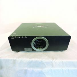 Panasonic PT-6710U Video Projector