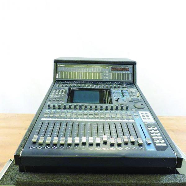 Yamaha DM1000 V2 Audio Digital Console